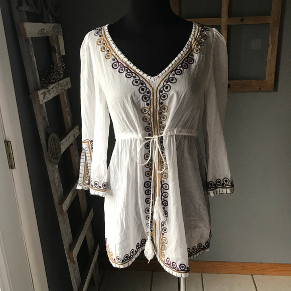 08722a8b90 Forever 21 Tops - FOREVER 21 White Embroidered Boho Tassel Tunic Top